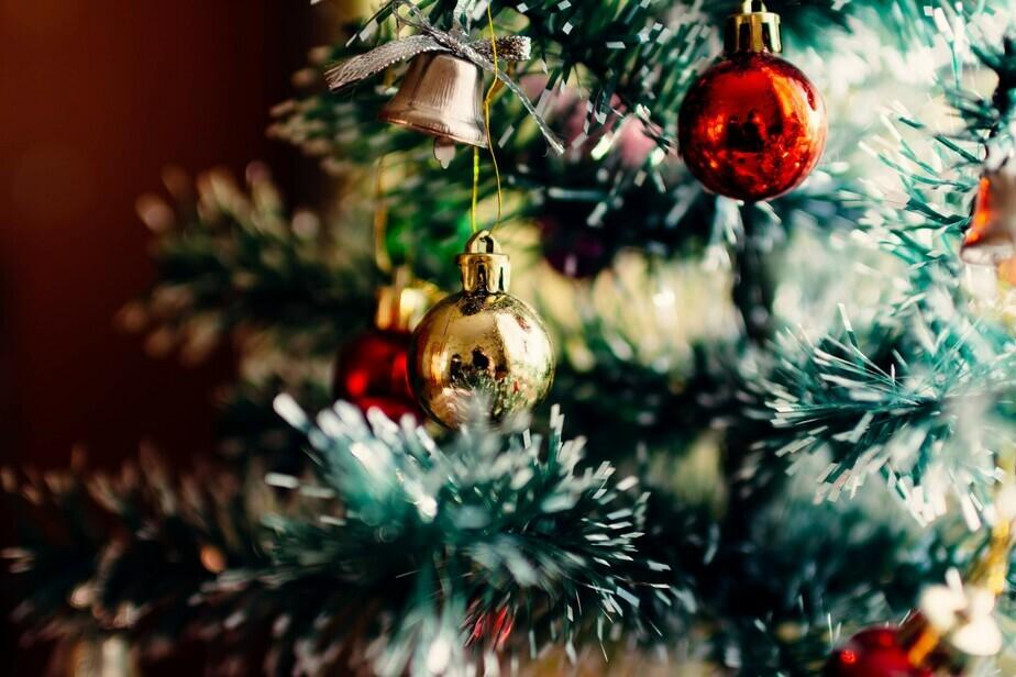 WISHING YOU A MERRY CHRISTMAS AND HAPPY HOLIDAY SEASON!